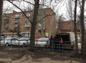 Пешеходные ограждения появились возле стихийного рынка на Морской в Волгодонске