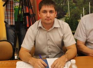 31-летний депутат Сергей Ильин владеет огромными земельными участками и большим автопарком