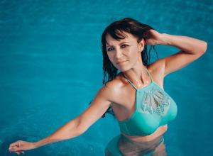 52-летняя участница «Миссис Блокнот-2018» Резида Онохина продемонстрировала шикарные формы