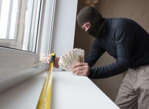 Оконный мошенник обманул десятки волгодонцев на 1 500 000 рублей