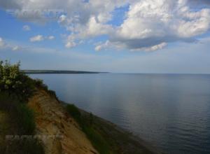 Из-за сильного ветра уровень воды в Цимлянском водохранилище может подняться на 15 см, ожидаются подтопления, - источник