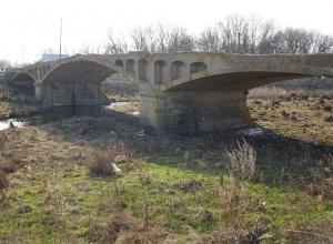 Жители Цимлянского района просят Андрея Садымова спасти разрушающийся исторический памятник «Бушевский мост»