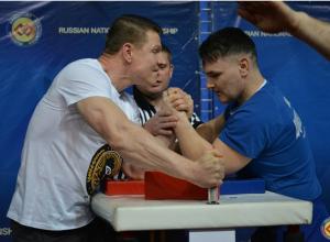 Волгодонец Григорий Стрельников стал призером чемпионата России по армрестлингу