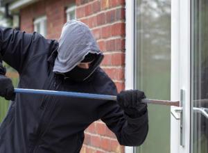 Бдительные соседи пресекли попытку опытного вора обчистить частный дом в Волгодонске