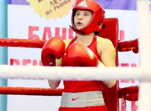Волгодончанка Екатерина Пинигина начала выступление на ЧР по боксу с победы над челябинской спортсменкой