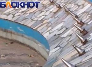 Отвратительное зрелище, - волгодонцы о «плюющем» фонтане в сквере Высоцкого