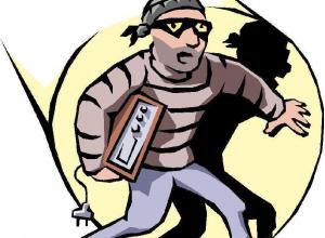 Житель Волгодонска украл в Мартыновском районе магнитолу из чужого автомобиля