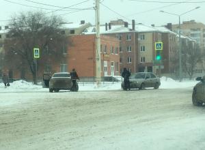 Заснеженные дороги и невнимательность привела к ДТП в День защитника Отечества