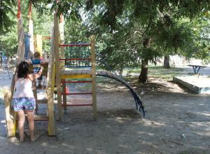 Волгодонцы просят закрыть алкоточки возле детских площадок