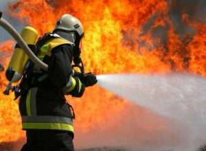 В станице под Волгодонском пожарные спасли дом от полного выгорания