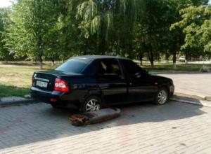 На улице Ленина в Волгодонске загорелся автомобиль