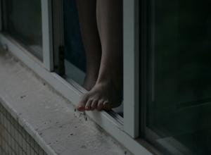 15-летняя волгодончанка разбилась насмерть, выпав из окна 9 этажа