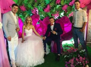 Известный парикмахер-модельер из Волгодонска Оксана Баден устроила свадьбу в рамках проекта телеканала «Пятница»