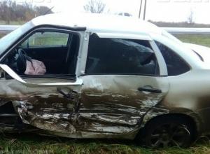 Два человека пострадали в лобовом ДТП на автодороге Ростов-Волгодонск