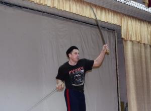 Казаки рассказали школьникам Волгодонска о своей истории и научили приёмам самообороны