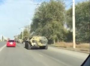 Колонна военной техники, проехавшая по Волгодонску, удивила автомобилистов