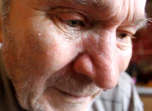 Молодой волгодонец выгнал на улицу 80-летнего отца-Ветерана труда в одних трусах