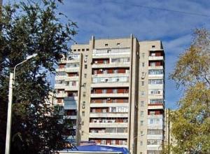 Несколько десятков человек эвакуировали из-за задымления балкона в высотке на Ленина