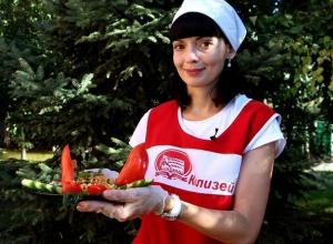Алыми парусами из болгарского перца удивила жюри Наталия Куринная