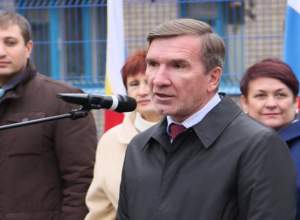 Гуськов указал не недоработку в строительстве детсада в Красном Яру и посоветовал подумать о строительстве новой школы в Волгодонске