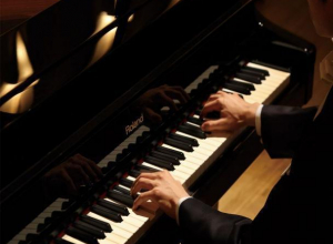 Юный волгодонский пианист с ограниченными возможностями взял Гран-при международного конкурса