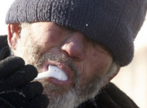 В Волгодонске пенсионерку на кладбище убил бомж-уголовник, ворующий еду с могил