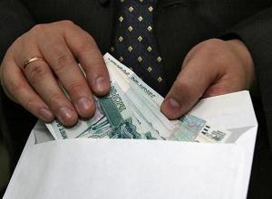 Хозяев одной из волгодонских фирм такси задержали во время дачи взятки судебному приставу