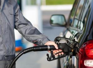 На каких заправках Волгодонска бензин стал стоить дешевле, а на каких дороже