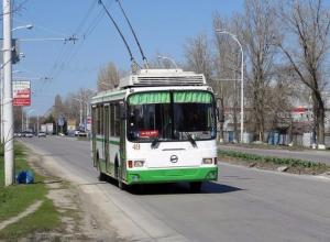 Ежедневно на улицы Волгодонска выходят 11 автобусов и 32 троллейбуса