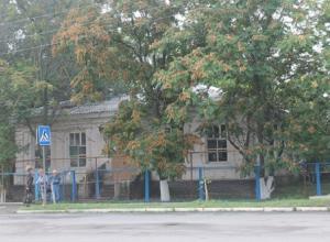 Житель Романовского дома престарелых нанес своему соседу по комнате 16 ножевых ранений