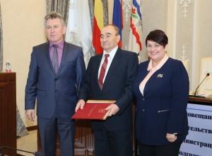 Двух пенсионеров-именинников лично поздравил глава администрации Волгодонска