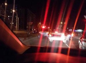 «Шевроле Ланос» вынесло на газон после жесткого столкновения с «Приорой» в Волгодонске