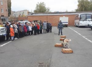 В Волгодонске правоохранители провели для школьников день открытых дверей