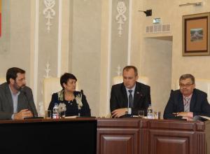 Депутаты Волгодонска разработали очередную стратегию борьбы со стихийными рынками и предложили ходить на общественные слушания с паспортом
