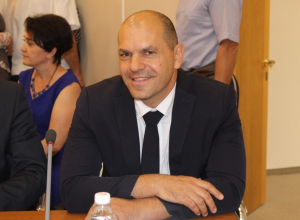 Доход депутата Виталия Цуканова в месяц составляет 100 тысяч рублей