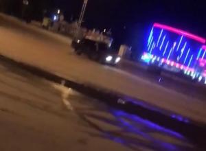 Дрифт посреди площади Курчатова устроил водитель ВАЗа
