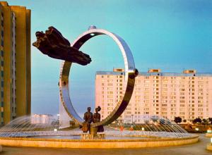 Волгодонск прежде и теперь: памятник Высоцкому