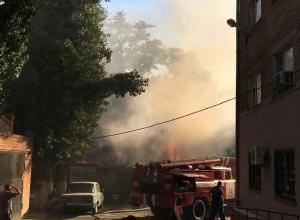 В старой части Волгодонска дотла сгорели десятки гаражей