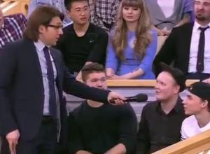 Записавшие видео про Шурыгину рэперы высказались в эфире «Пусть говорят» и прославили Волгодонск на всю страну