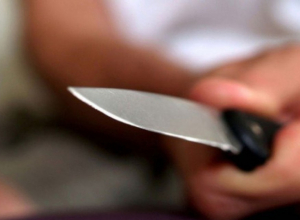 Волгодонцу перерезали горло в квартире на Волгодонской - мужчина скончался на месте происшествия