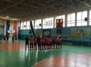 Пенальти в эмоциональном финале помогло «Олимпу» в третий раз стать чемпионами Волгодонска по мини-футболу