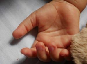 7-летний мальчик умер от удара током, играя на крышке колодца
