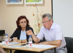 Виктор Мельников пообещал до конца года вернуть автобусные маршруты 55 и 53