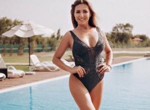 40-летняя Ирина Нагибина продемонстрировала шикарную спортивную фигуру в конкурсе «Миссис Блокнот»
