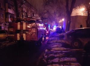Пострадавшую при пожаре женщину увезли в реанимацию: ЧП произошло на переулке Октябрьском в Волгодонске