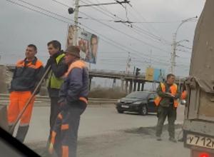 «Думала работа кипит, а, нет, просто думают»: волгодонцы о ремонте дорог