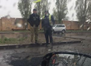 Ямочный ремонт в дождь возмутил волгодонских автомобилистов