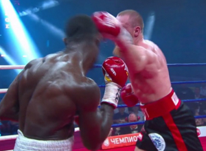 Волгодонский боксер Дмитрий Кудряшов сразил нигерийца Дуродолу в Ростове