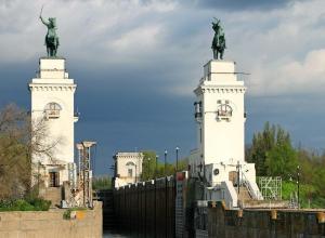 «Казаки» на судоходном канале в Волгодонске попали в особо охраняемую зону