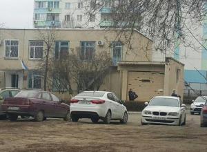 Обыски проходят в квартирах пяти работников управления образования Волгодонска